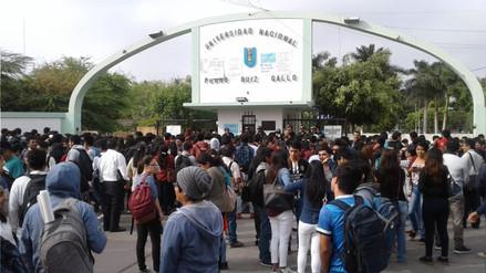 Estudiantes denuncian que en la UNPRG hay caos administrativo