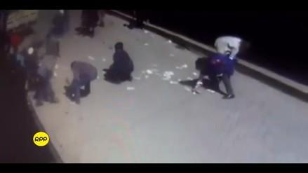 Video | Una cambista arrojó billetes al aire para evitar asalto en Cajamarca