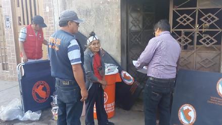 Abuelita recibió ayuda tras incendio en su vivienda en Leonardo Ortiz