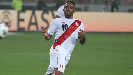 Jefferson Farfán anotó el segundo gol de Perú ante Escocia tras pase de Yotún