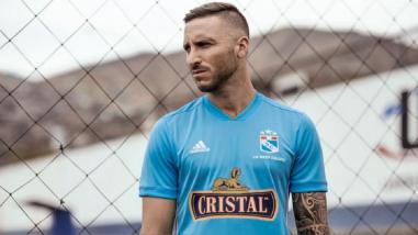 Emanuel Herrera no será tomado en cuenta para el duelo ante Alianza Lima