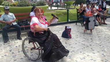 Embajadora de la Marinera en Silla de Ruedas envió su saludo de aliento a la selección