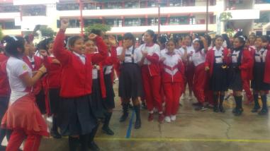 Perú vs. Escocia: colegiales alientan a la bicolor previo al Mundial Rusia 2018