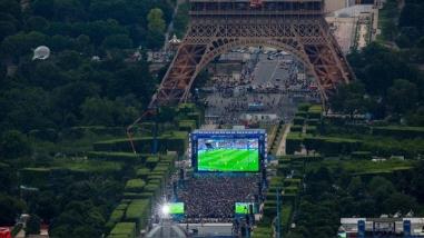 Francia prohíbe pantallas gigantes durante Mundial por amenaza terrorista