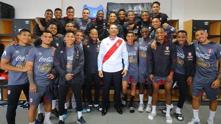 Presidente Vizcarra visitó a la Selección Peruana antes de su viaje a Europa
