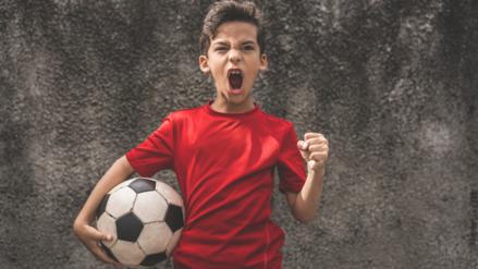Practicar deporte promueve valores como la empatía y la perseverancia en los niños