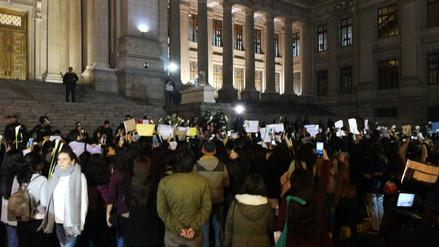 Cientos realizaron plantón frente al Poder Judicial por la muerte de Eyvi Ágreda