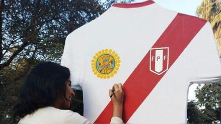 Turistas firmarán gigante camiseta de Perú en el museo Tumbas Reales