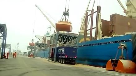 Reabren puerto de Salaverry tras seis días de cierre por oleajes