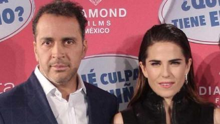 Cineasta comparte mensajes con Karla Souza para defenderse de denuncia de agresión sexual