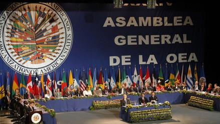 La OEA abrió la puerta para suspender a Venezuela y desconoció reelección de Maduro