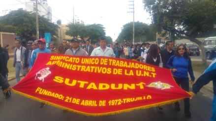 Trabajadores administrativos de UNT vuelven a movilizarse