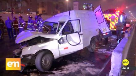 Dos jóvenes resultaron heridos en un violento accidente en la Vía Expresa Javier Prado