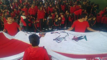 Trujillo se despide de camiseta gigante que será enviada al Mundial de Rusia 2018