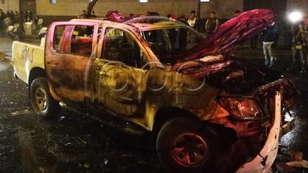 Un patrullero fue incendiado durante la segunda Marcha por el cierre del Congreso