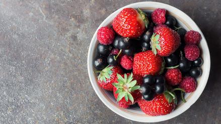 Consumo de frutos rojos puede reducir efectos del cáncer