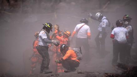 Cifra de muertos por furia de volcán de Fuego incrementó a 99 en Guatemala