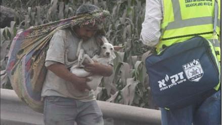 Hombre rescató a su perro de las cenizas del Volcán de Fuego en Guatemala