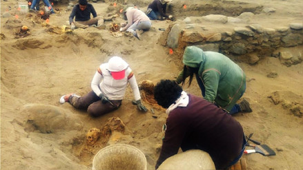 Arqueólogos hallan restos óseos de decenas de niños sacrificados en Huanchaco