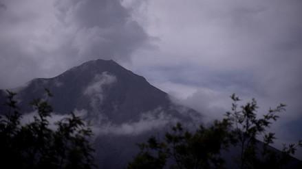 Guatemala | Volcán de Fuego se resiste a la calma y sigue búsqueda víctimas de erupción