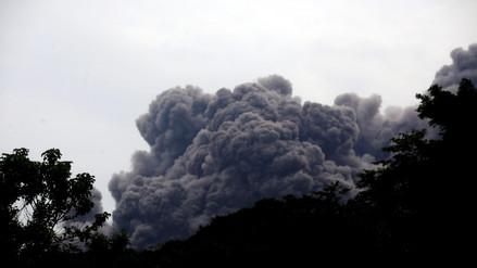 Volcán de Guatemala genera hasta nueve explosiones por hora