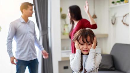 Crecer con padres violentos condiciona a los hijos a adoptar esa conducta