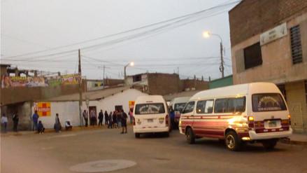 Transportistas de pasajeros acatan paro en Laredo