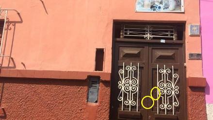 Balean casa de Katiuska del Castillo y dejan carta exigiendo dinero