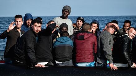 España se ofreció a acoger al 'Aquarius', un barco con 629 inmigrantes rescatados