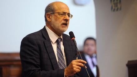 """Daniel Abugattás dijo que el fujimorismo """"está buscando tener a la prensa maniatada"""""""