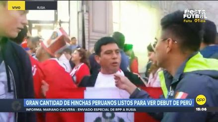 Hinchas peruanos cantaron el Himno Nacional en los alrededores de la Plaza Roja de Moscú