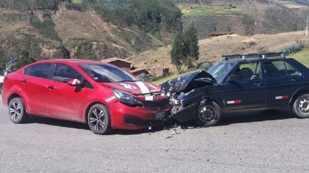 Auto con camiseta de la selección peruana queda destrozado tras choque