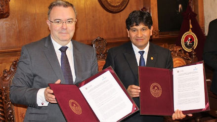 La Unsa firmó convenio con universidad de España