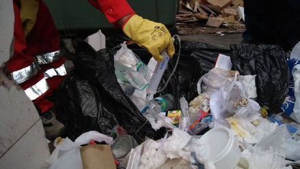 Segat vuelve a recoger residuos en hospital Regional
