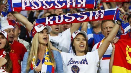 Kremlin responde a diputada que aconsejó a mujeres rusas no tener relaciones con extranjeros