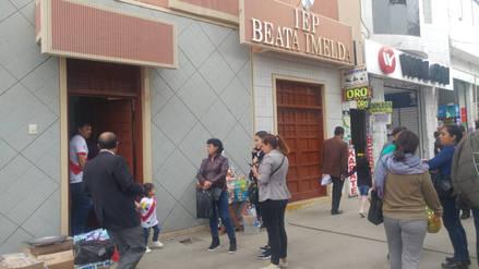 Madres solteras denuncian que les impidieron ingreso a homenaje del Padre