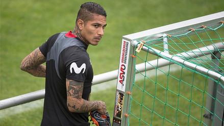Paolo Guerrero quedó fuera del equipo titular en las prácticas antes del debut frente Dinamarca
