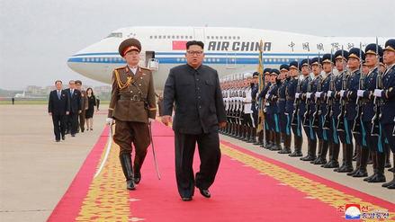 La televisión norcoreana emitió imágenes inéditas del viaje de Kim Jong-un a Singapur