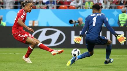 El error de la defensa peruana en el primer gol de Dinamarca