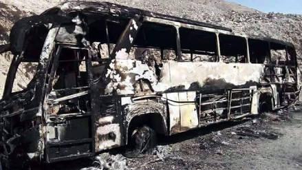 Bus interprovincial se incendió y 40 pasajeros salvaron de morir en Arequipa