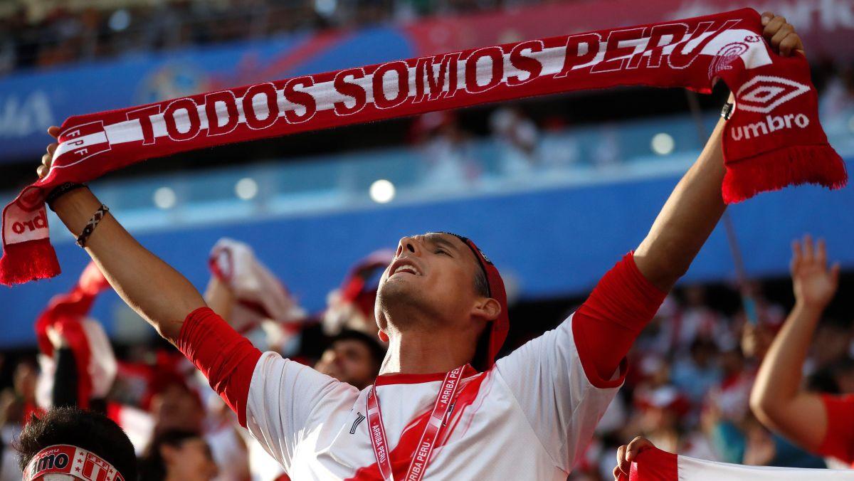 Perú vs. Dinamarca | Hinchas peruanos arman la fiesta dentro del estadio Mordovia Arena