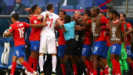 El primer conato de bronca de Rusia 2018 ocurrió en el Serbia vs. Costa Rica