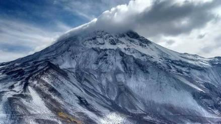 Dos nuevas estaciones de monitoreo se instalaron en el volcán Ubinas