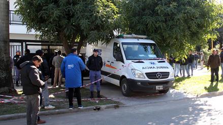 La esposa y el hijo de un senador argentino fueron encontrados muertos en su casa