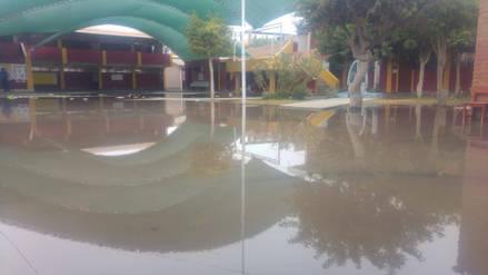 Suspenden clases en colegio Atusparia por colapso de desagües