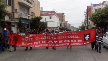 Sector de docentes lambayecanos realizó marcha en primer día de huelga
