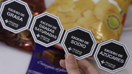 ComexPerú: Minsa cierra las puertas a un mejor etiquetado de alimentos al imponer octógonos
