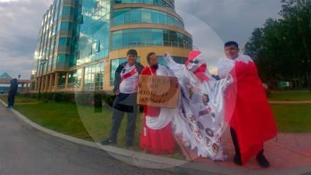 Hinchas peruanos llegaron a Ekaterimburgo, lugar en donde la Selección Peruana se enfrentará a Francia