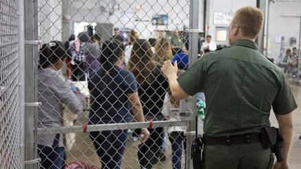 Más de 2,300 niños ya fueron separados de sus familias en frontera sur de EE.UU.