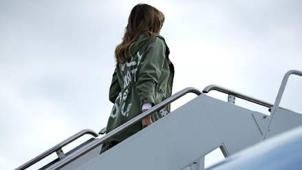 """Melania Trump llegó a la zona fronteriza con chaqueta en la que dice """"Realmente no me importa, ¿a ti?"""""""